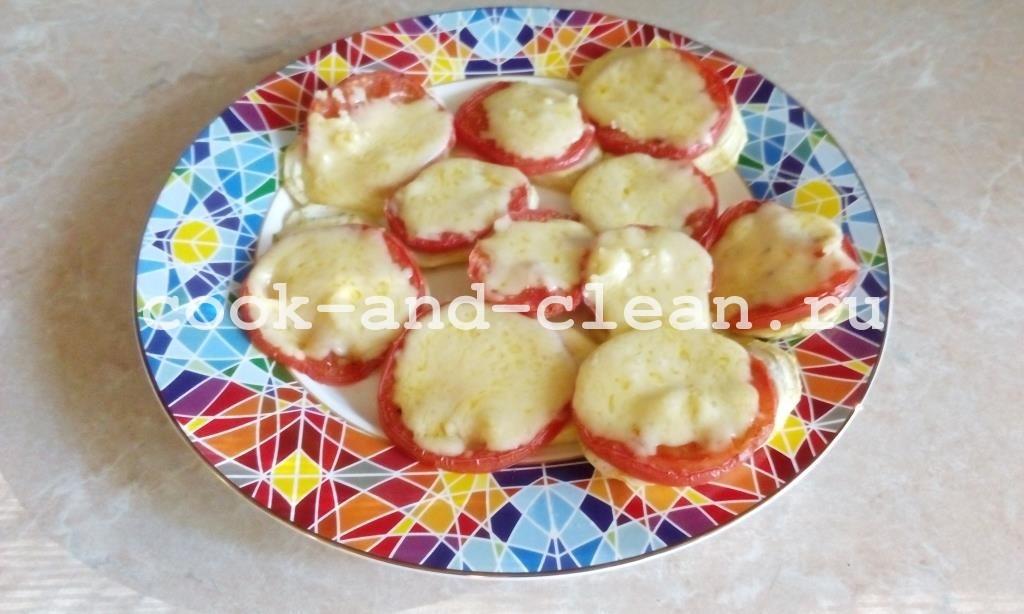 кабачки в духовке с сыром и помидором