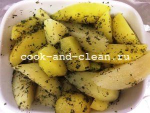 запечь картофель в духовке фото