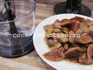 блины с грибами и луком