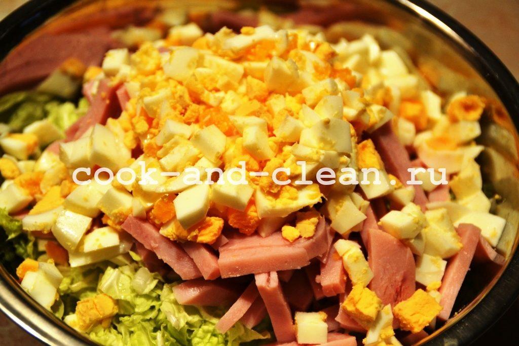 вкусный салат с ананасом