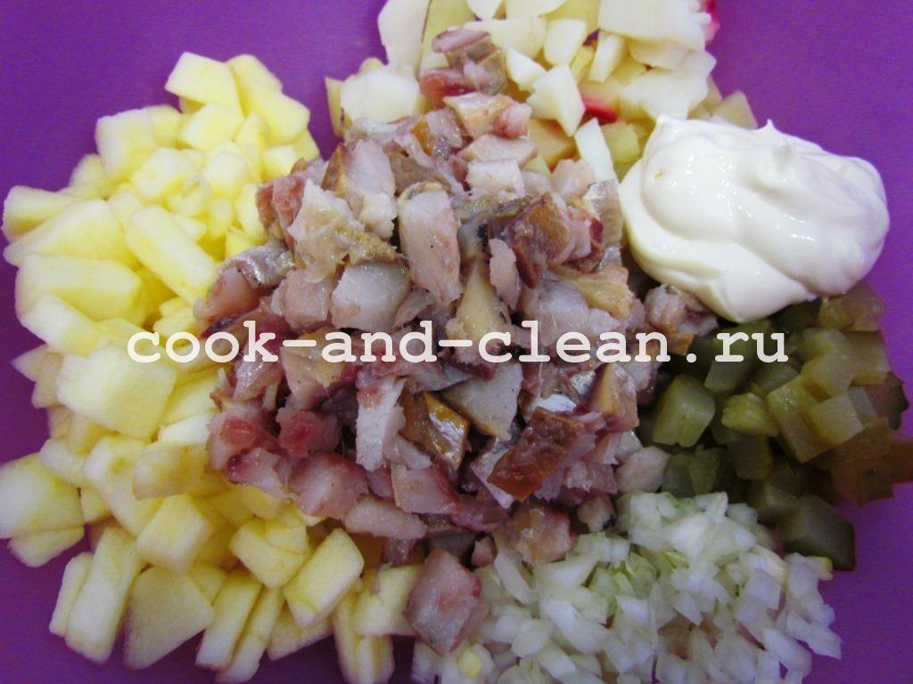 простой салат с селёдкой