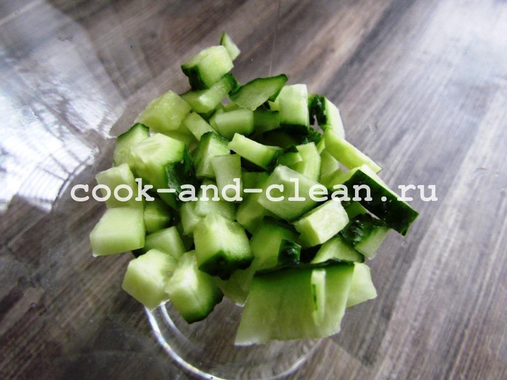 рецепт слоеного салата с крабовыми палочками