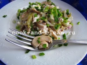 салат кальмары с грибами рецепты