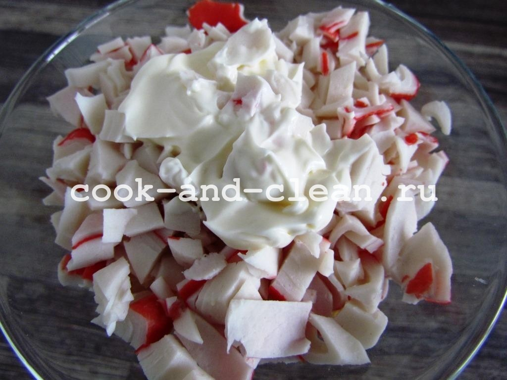 слоеный крабовый салат нежный