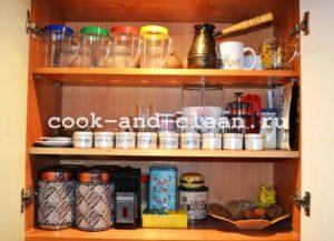 чистая уютная кухня