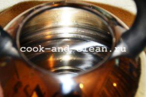 чистим чайник