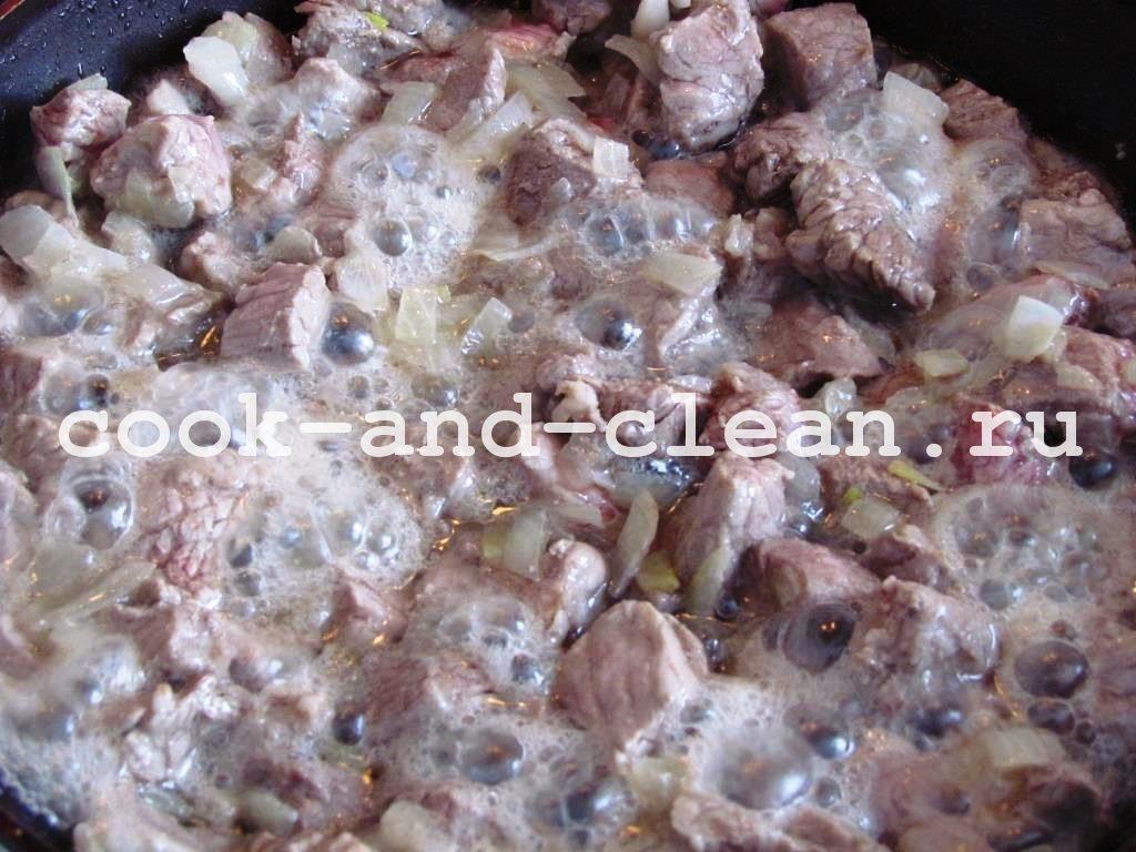 свинина гуляш с подливкой рецепт на сковороде