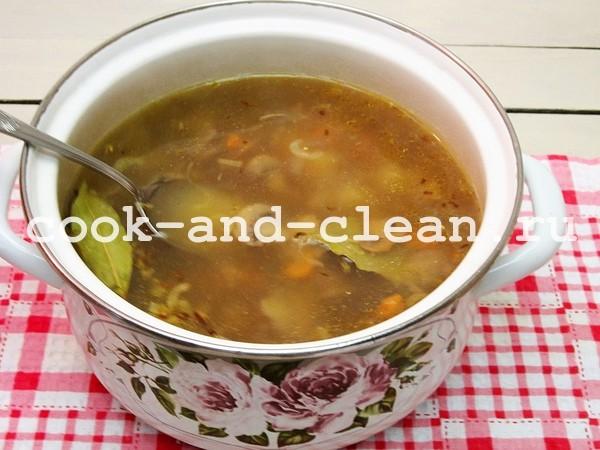 суп из шампиньонов с крупой