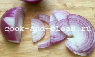 быстрый салат из кабачков и курицы