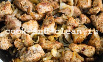 мясо жареное на сковороде рецепт с фото