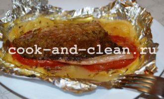 Рыба запеченная с кабачками