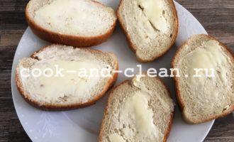 бутерброды со шпротами сыром и огурцом