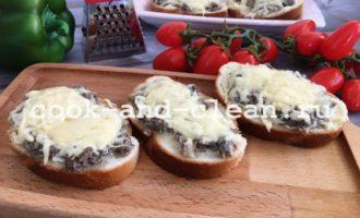 горячие бутерброды со шпротами в духовке рецепты фото
