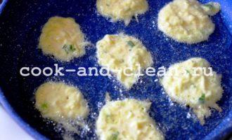 кабачковые оладьи рецепт на сковороде жарить