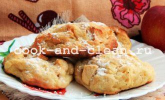 творожные булочки с яблоком