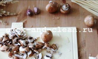 макароны сливочный соус курица грибы