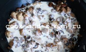 макароны с курицей грибами и сыром