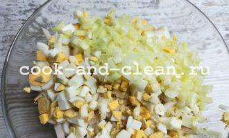 самый простой рецепт салата из кальмаров