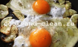 яичница с кабачками рецепт с фото пошагово