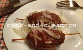 Люля кебаб в духовке на шпажках
