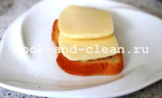 горячие бутерброды с моцареллой и помидорами рецепт