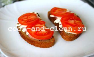 горячие бутерброды с помидорами ветчиной