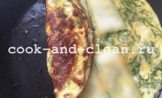 как сделать омлет с сыром на сковороде