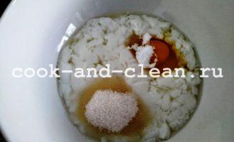 Пышные оладьи на кислом молоке с фото