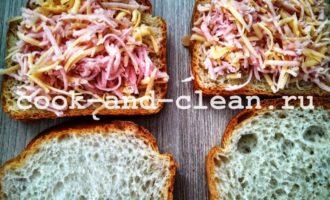 горячий бутерброд с колбасой и сыром фото рецепт