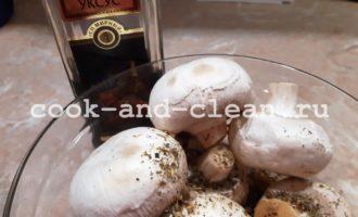 как запечь грибы шампиньоны в духовке целиком