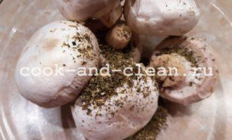 как запечь грибы шампиньоны в духовке
