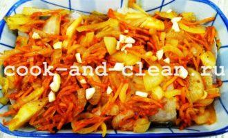 как приготовить минтай в духовке с морковью и луком