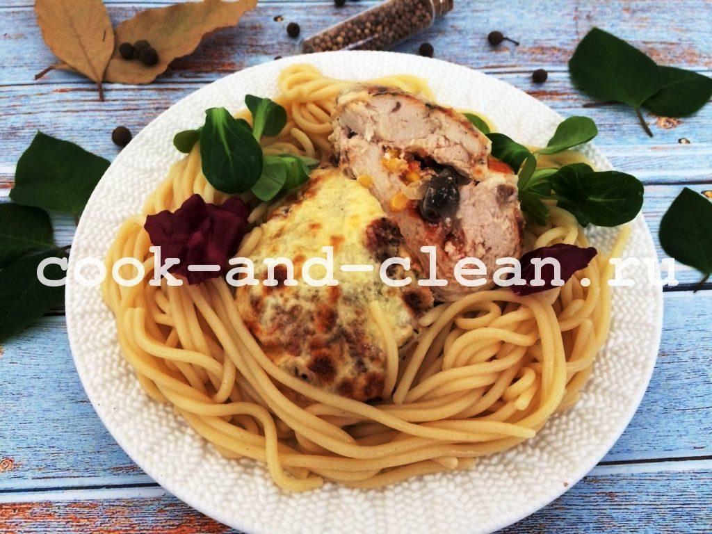куриное филе с начинкой в духовке
