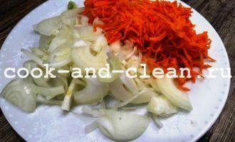 минтай в духовке с морковью и луком фото