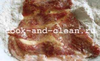 отбивные из свинины с луком фото