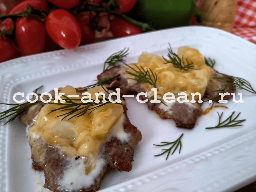 отбивные с ананасом и сыром