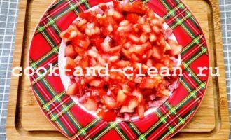 салат восточный с колбасой фото рецепт
