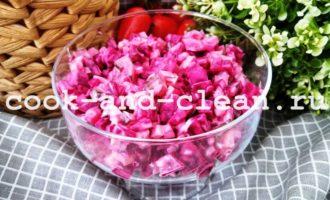 салат из свеклы огурцов и сыра