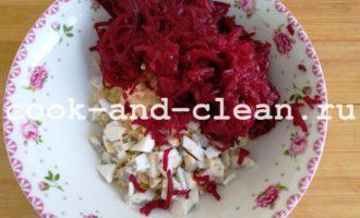 салат из свеклы с сыром и яйцом рецепт с фото