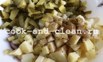салат с картофелем и солеными огурцами пошагово
