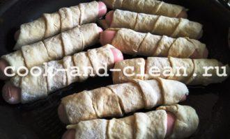 сосиски в тесте на кефире на сковороде пошагово