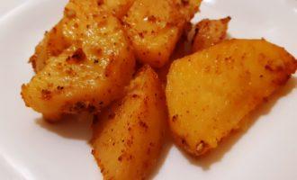 Картофель по-деревенски дольками в духовке