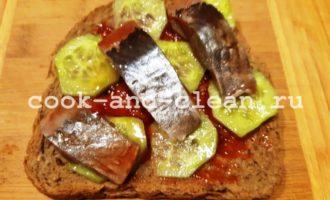 вкусные бутерброды с сельдью