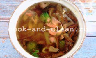 грибной суп с домашней лапшой пошаговый