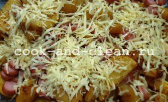 картофель по деревенски в духовке с сосисками