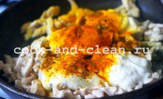 курица со сметаной на сковороде пошаговый