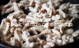 курица со сметаной на сковороде фото