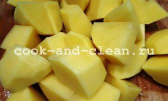 отварной картофель с чесноком и маслом