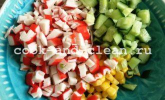 салат с крабовыми палочками и огурцом фото рецепт