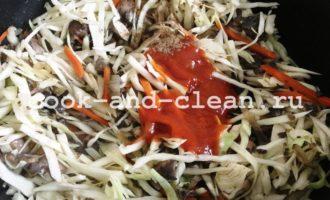 тушеная капуста с грибами на сковороде пошагово